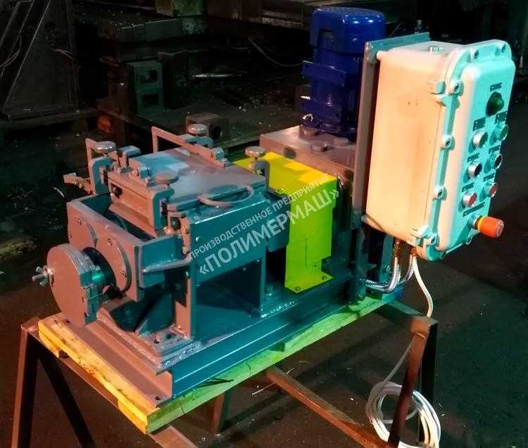 Смесители лабораторные ЗШ-3,5; ЗШ-10 и ЗШ-25 с «Z-образными» роторами и выгружным шнеком